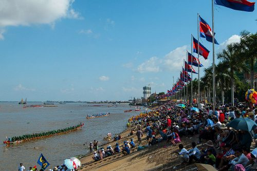 PHNOM PENH - Mekong River (Boat races attracting thousands of locals during the Water Festival.)
